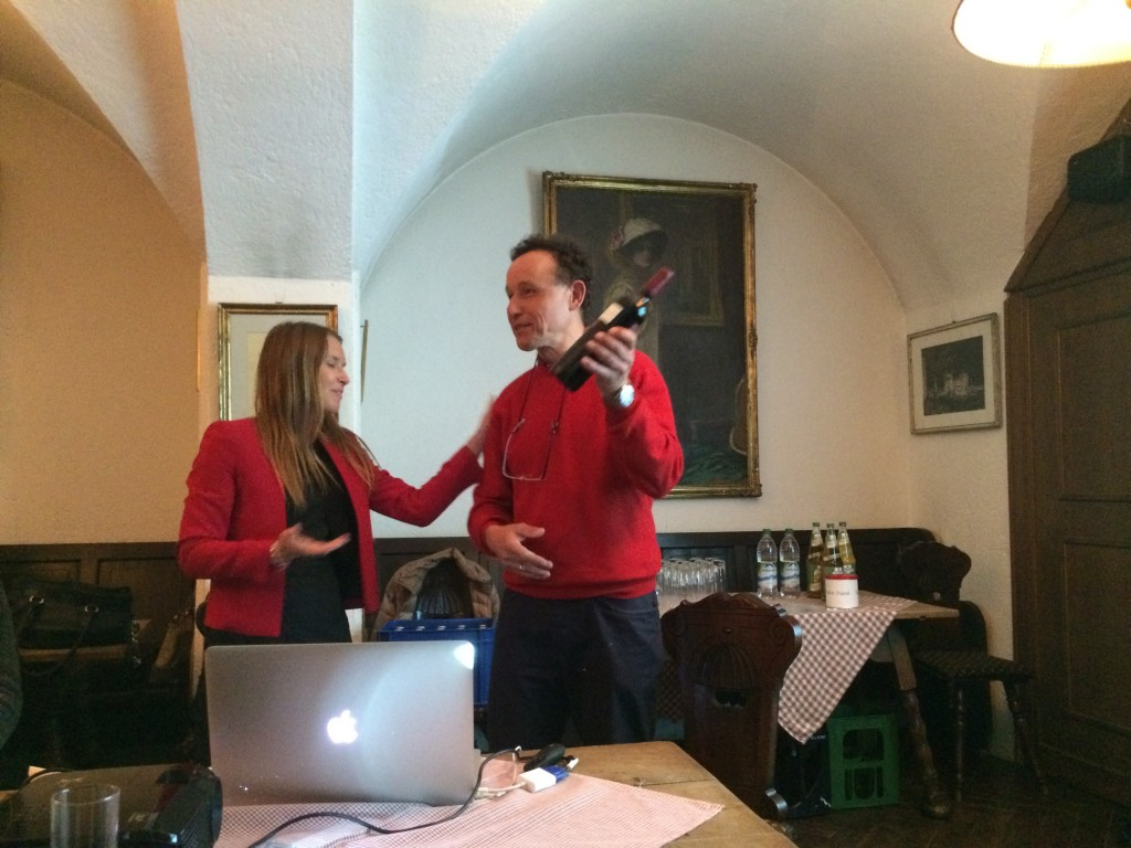 Club's President, Hanna Nilsson, thanks Prof. Christian Haass for his lecture
